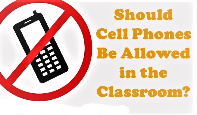 Students and Teachers Adapt to Harsh Phone Policy